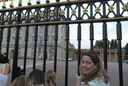 Hanging around with royal watchers